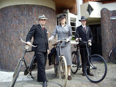 Gentleman / Lady Cyclist