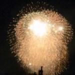第44回みなとこうべ海上花火大会を望遠レンズで動画撮影