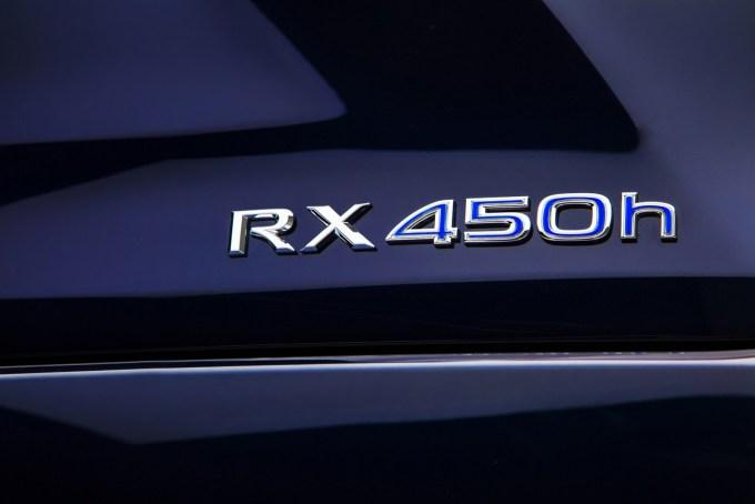 2016-Lexus-RX-12