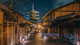 【京都 東山花灯路2017】 春を知らせる京都の幻想的な夜