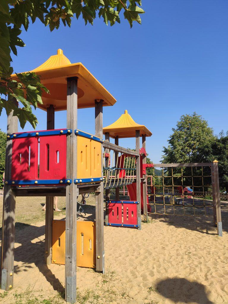Spielplatz_AHORN1