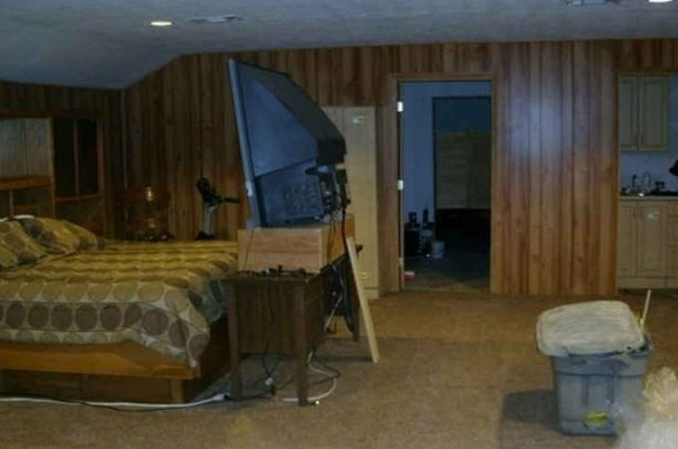tv-looming-over-bed-in-tx-jenny-611x405