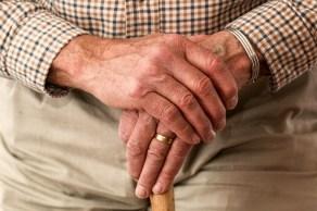 hands-981400_1920