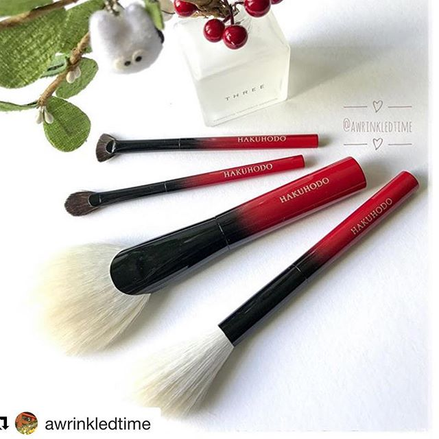 #Repost @awrinkledtime (@get_repost)・・・I finally got down to photographing these. Now I can start using them tmr! 🤗...#hakuhodo #hakuhodosg #hakuhodoautumnset #theautumnset #ombrehandles #newbrushes #hakuhodobrushes #limitededition #limitededitionbrushes #cannotwaittousethem #playtimewithbrushes #白鳳堂 #限定 #ふで #筆 #白鳳堂限定セット #メイクアップブラシ