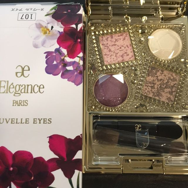 #eleganceparis eyeshadow 1076534 yen