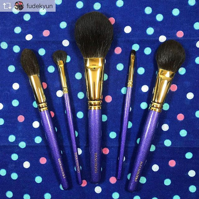Repost from @fudekyun @TopRankRepost #TopRankRepost Mitsukoshi Ginza Purple Set  Thank you again @fudejapan Post wash in first photo and second photo shows pre-wash 🤩 #fude #haul #hakuhodo #白鳳堂 #熊野筆 #fudejapan