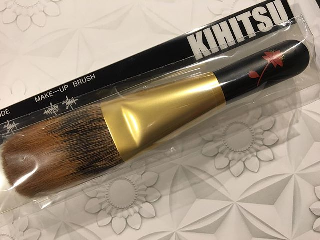 #Kihitsu Canadian squirrel Powder brush 38000 yen black Makie