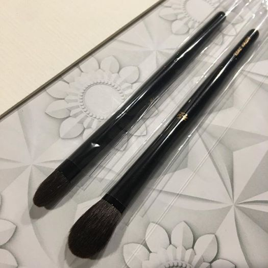 #Kyureido Eyeshadow L and M (grey squirrel)5000 yen 4500 yen
