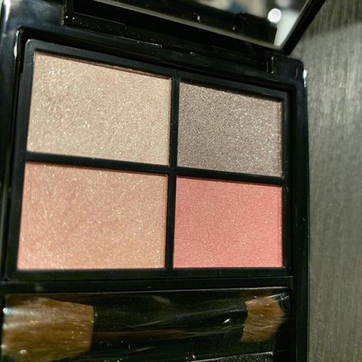 #Etvos mineral eyeshadow Pink Float4800 yen