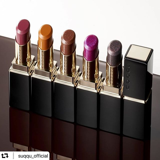 #repost @suqqu_official・・・One stroke gives a truly modern lustre.Unique colors that toy playfully with dusky tones and multi-colored glitter.MOISTURE RICH LIPSTICKfrom left11 RINKU / 12 KINICHOU / 111 FUSUBEIRO【limited】 / 112 FUYUHANABI【limited】 / 113 KUROURUMI【limited】 #suqqu #スック #2019autumnwinter #cosmetics #jbeauty #lipstick #リップ
