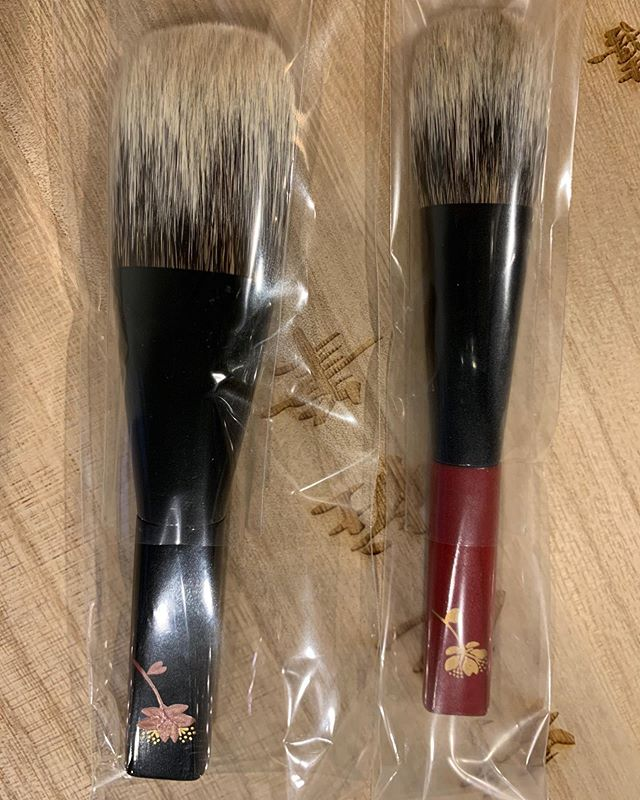#Koyudo #Kihitsu White Canadian squirrel Face M 36000 yen black handle Cheek 21000 yen red handle