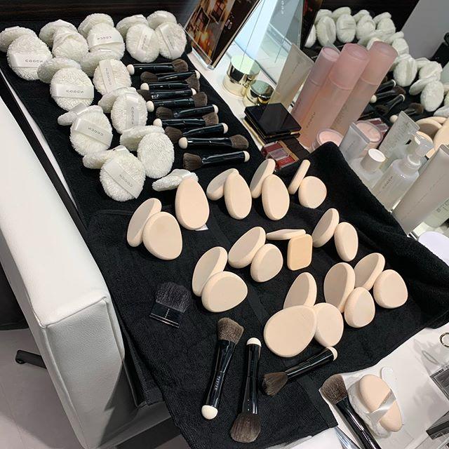 SUQQU nice makeup seat