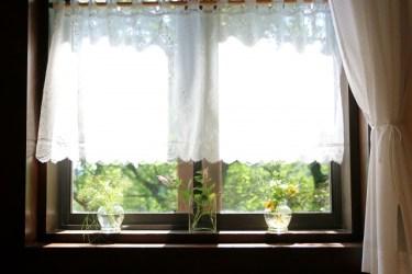 窓に遮熱シートが必要な理由!ニトリの窓アイテムもご紹介