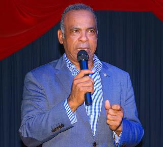 El senador Félix Nova.