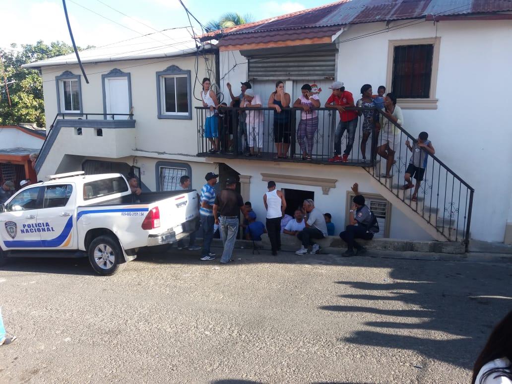 Matan hombre tras mantener secuestrados a parientes en Santiago