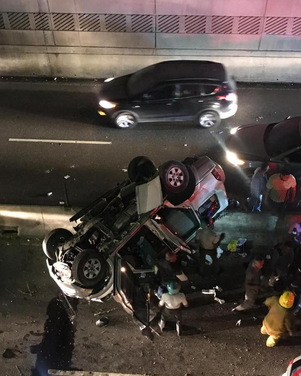 Yipeta se precipita del paso a desnivel de La 27 con Carmen de Mendoza; hay cuatro heridos