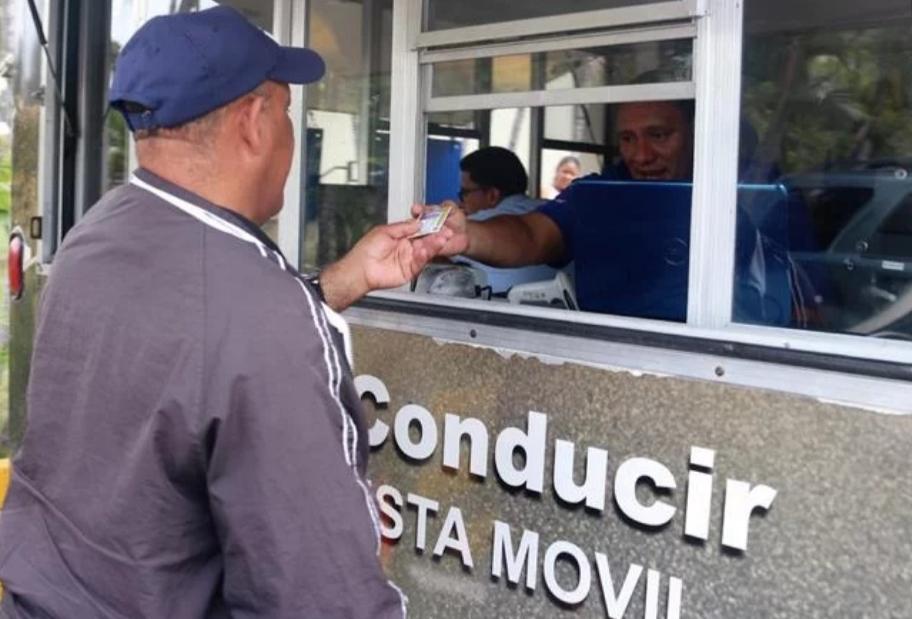 Intrant obliga a pagar miles de pesos por años de atraso para renovar licencias de conducir