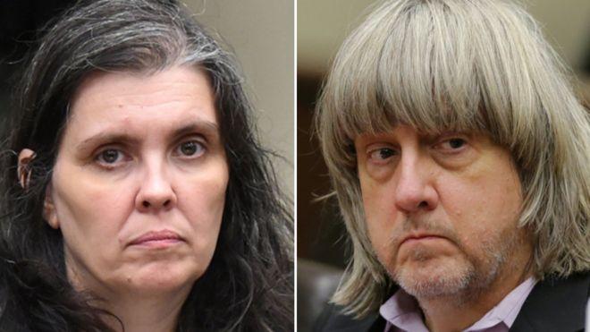 Pareja de esposos en EE.UU. se declara culpable de torturar y amarrar con cadenas a sus 13 hijos