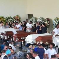 Jóvenes que murieron en accidente eran velados en colegio donde estudiaba