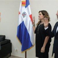 Ricardo Montaner jura por la bandera dominicana