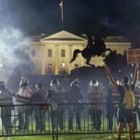 Donald Trump se habría refugiado en el búnker de Casa Blanca durante las protestas en Washington