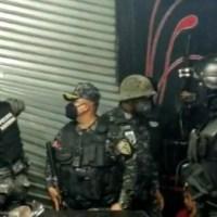 La Policía le daña la fiesta a un bar que operaba con fachada de iglesia en toque de queda