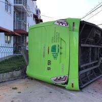 Fallece chofer guagua OMSA que se volcó en Ciudad Juan Bosch