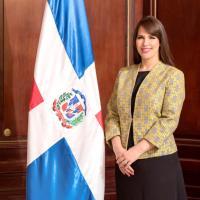 Abinader designa a Angie Martínez (Anyara) como Embajadora en Jamaica