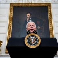 Por Covid Biden restringirá viajes procedentes de más de 26 países
