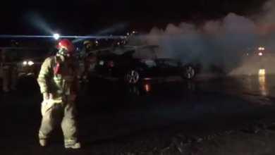 Choque en la salida Morelia-Salamanca; un auto se incendia