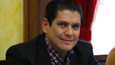 Propone Ernesto Núñez facilitar trámites en dependencias