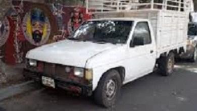 Encuentran 8 cuerpos dentro de una camioneta