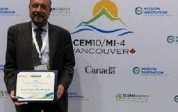 Recibe mexicano premio en Canadá por estudio sobre energías limpias