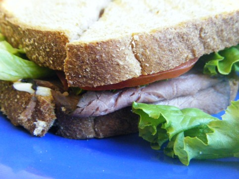 Roast Beef sandwich on wheat