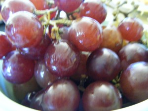 Grapes are my favorite snack ever.  (Frozen grapes give me brain freeze so that isn't my jive)