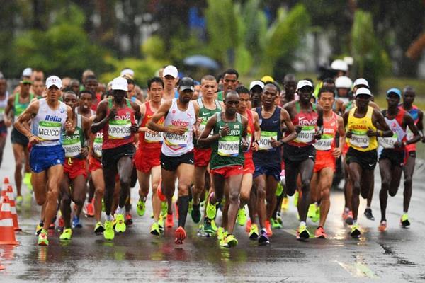 The Great Hat Debate of the Men s Marathon FueledByLOLZ 2768f6c0c89