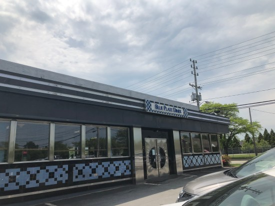 blue plate diner middletown ri