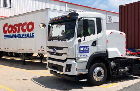 First Trucking Company Uses EV Tractor Move a Container from