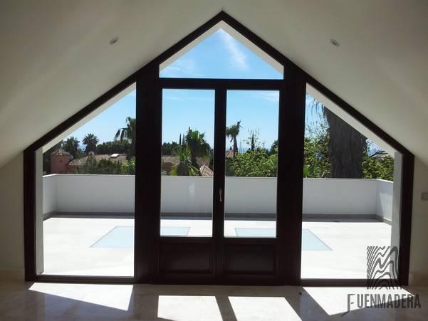 ventanas de madera en benalmadena