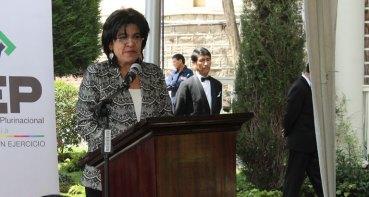 Presidenta, Katia Uriona presenta informe.