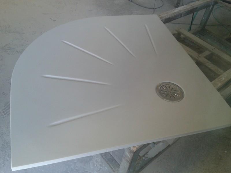plato ducha semicircular con dibujo compacto blanco