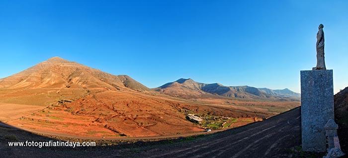 Monumento a Unamuno en Montaña Quemada