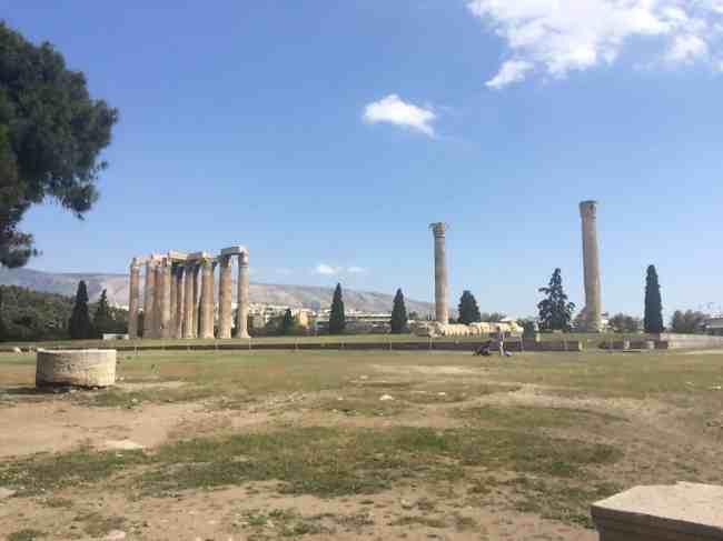 Templo de Zeus Olímpico - Atenas. O que fazer em uma conexão longa em Atenas