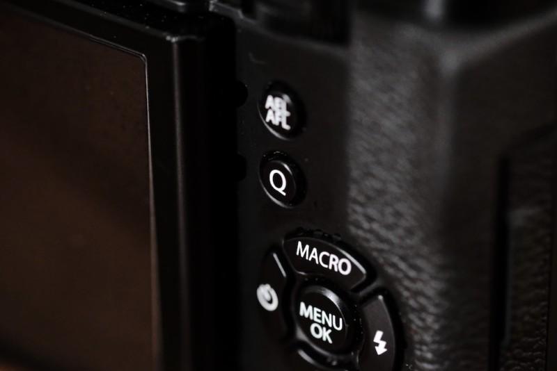 X30(FUJIFILM) Qボタン