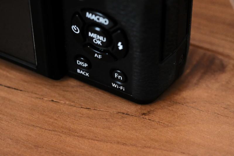 X30(FUJIFILM) Fnボタン