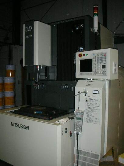 有限会社フジムラ 保有設備 形彫放電加工機