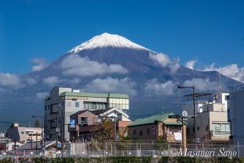 富士山せせらぎ広場からの富士山