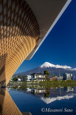 富士山世界遺産センターと富士山