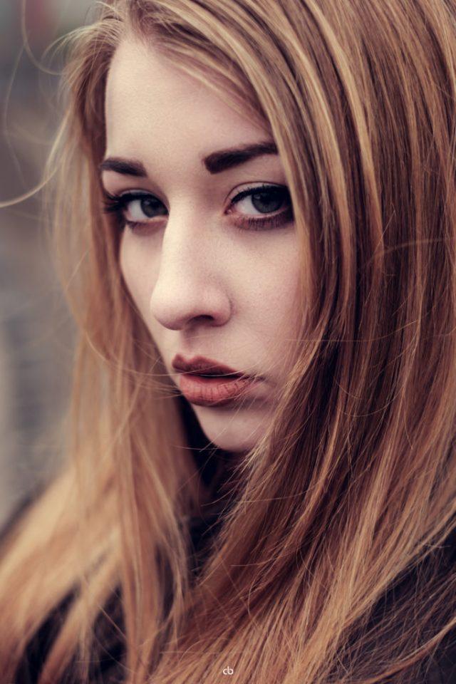 Portrait - Sabrina | Fujifilm | X-T1 | Fensterlicht