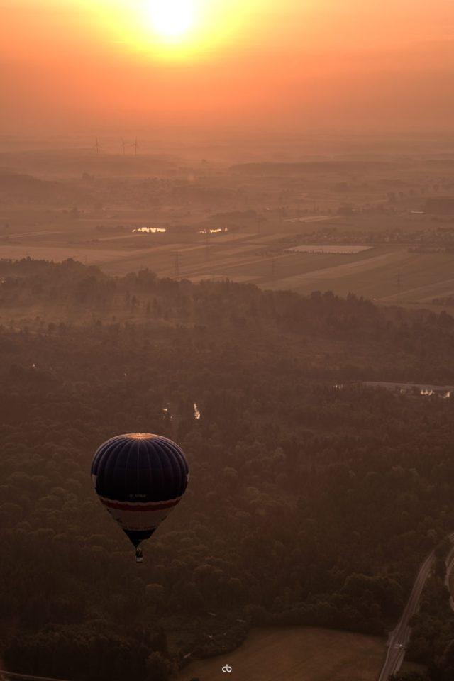 Blauer Ballon im Morgenlicht - Landschaft | Fujifilm | X-T1 | 50-140mm